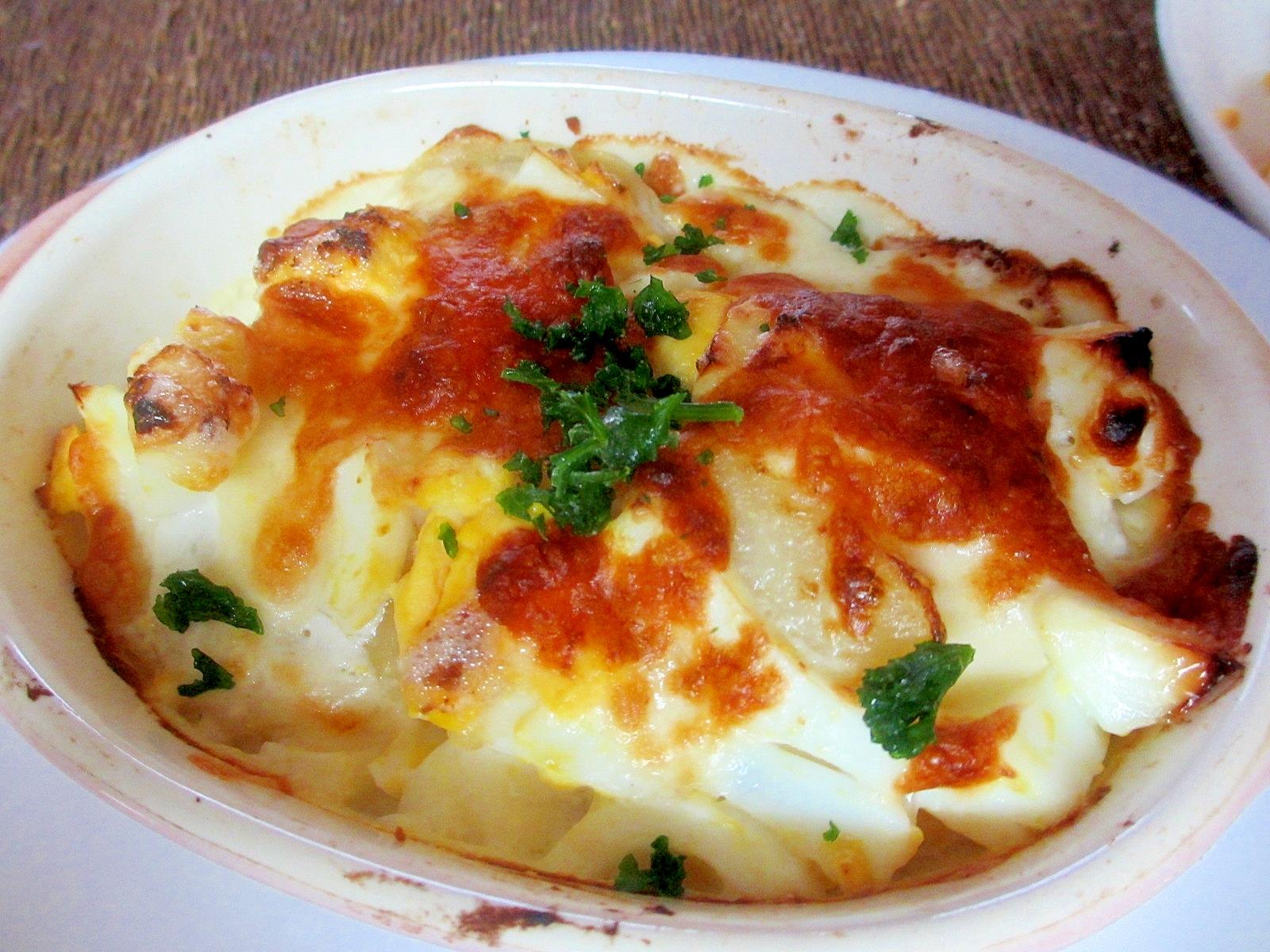 ジャガイモとゆで卵のヨーグルトマヨグラタン
