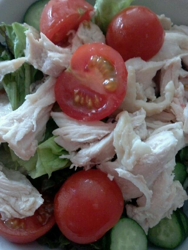ママ会で喜ばれる♪茹で鶏のサラダ(´Д`)