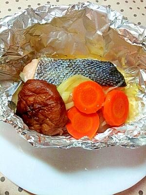秋鮭のホイル焼き♪バター醤油味