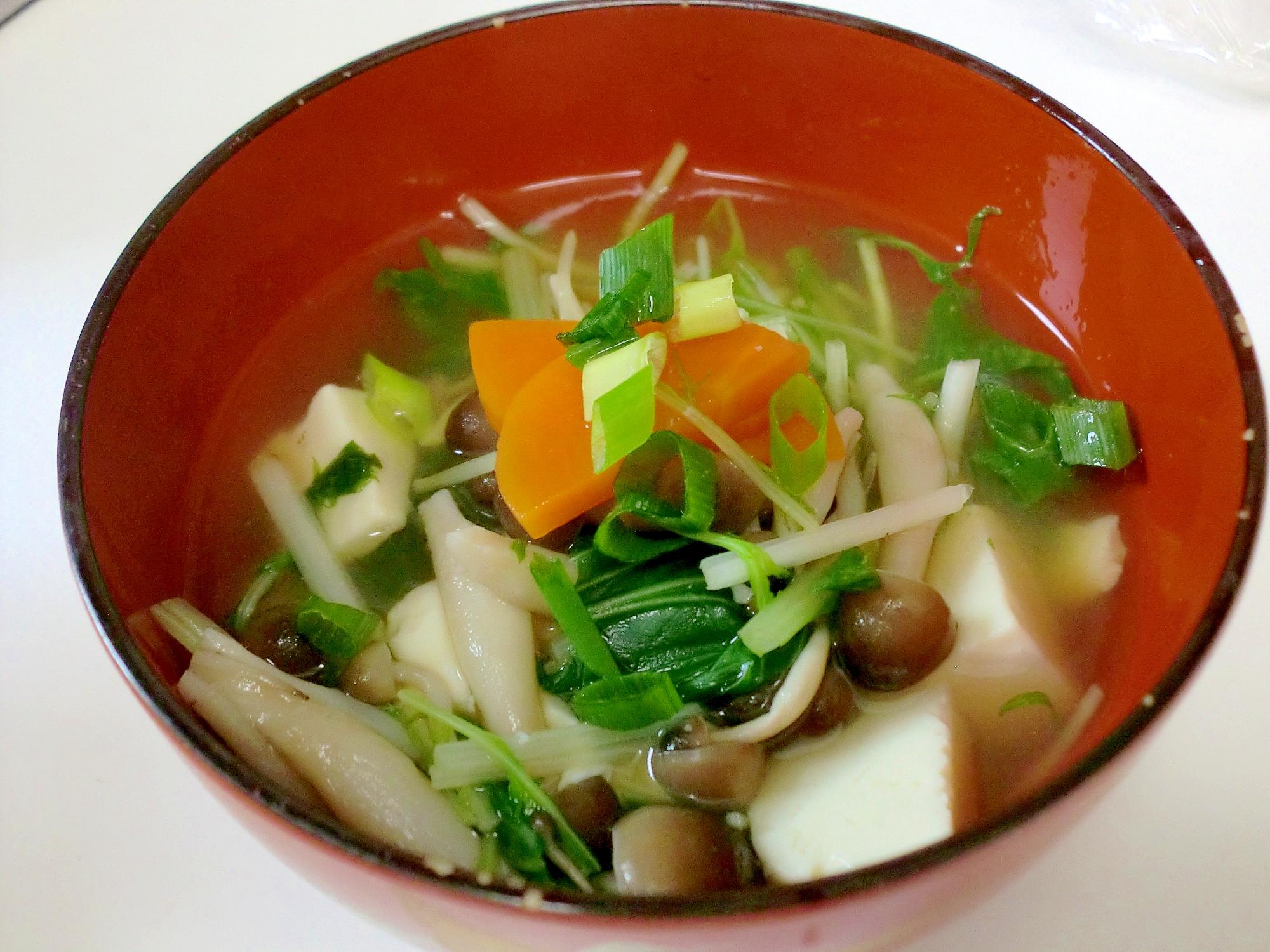 キノコたっぷり♪飛魚だしの野菜スープ