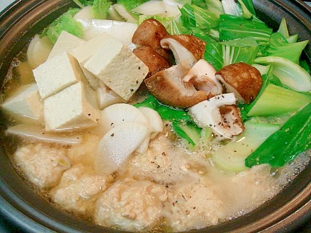 7. 柚子コショウ風味の鶏団子入り中華鍋