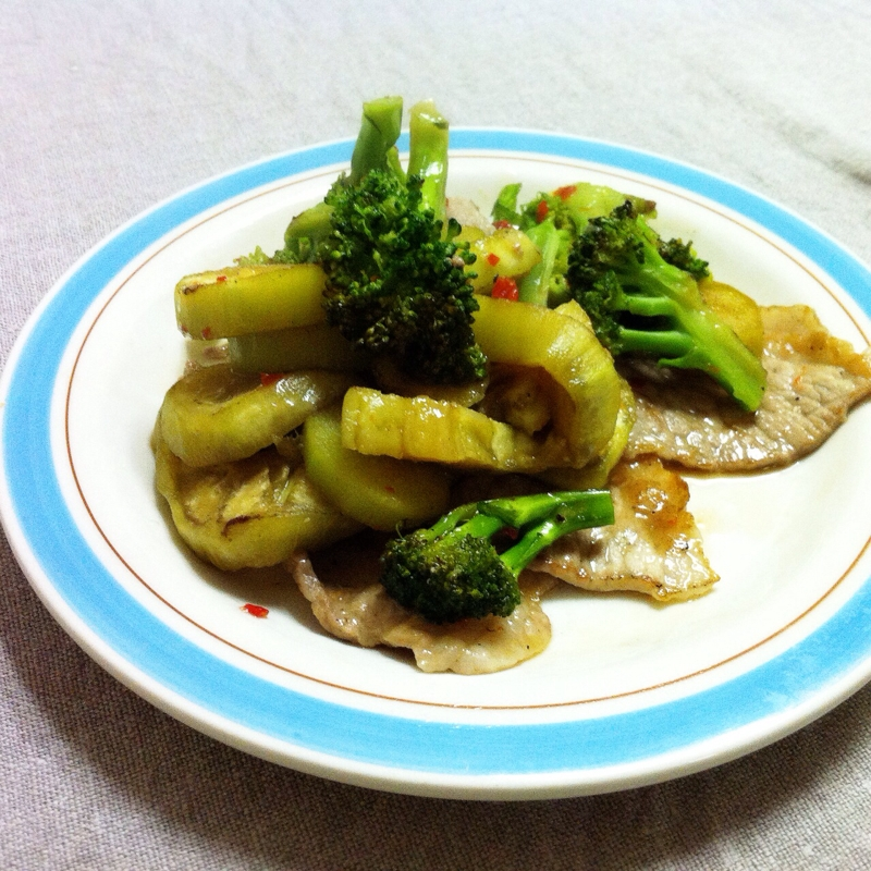 豚肉と野菜のエスニック炒め