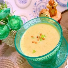セロリと新玉葱と発芽玄米の冷たい豆乳ポタージュ