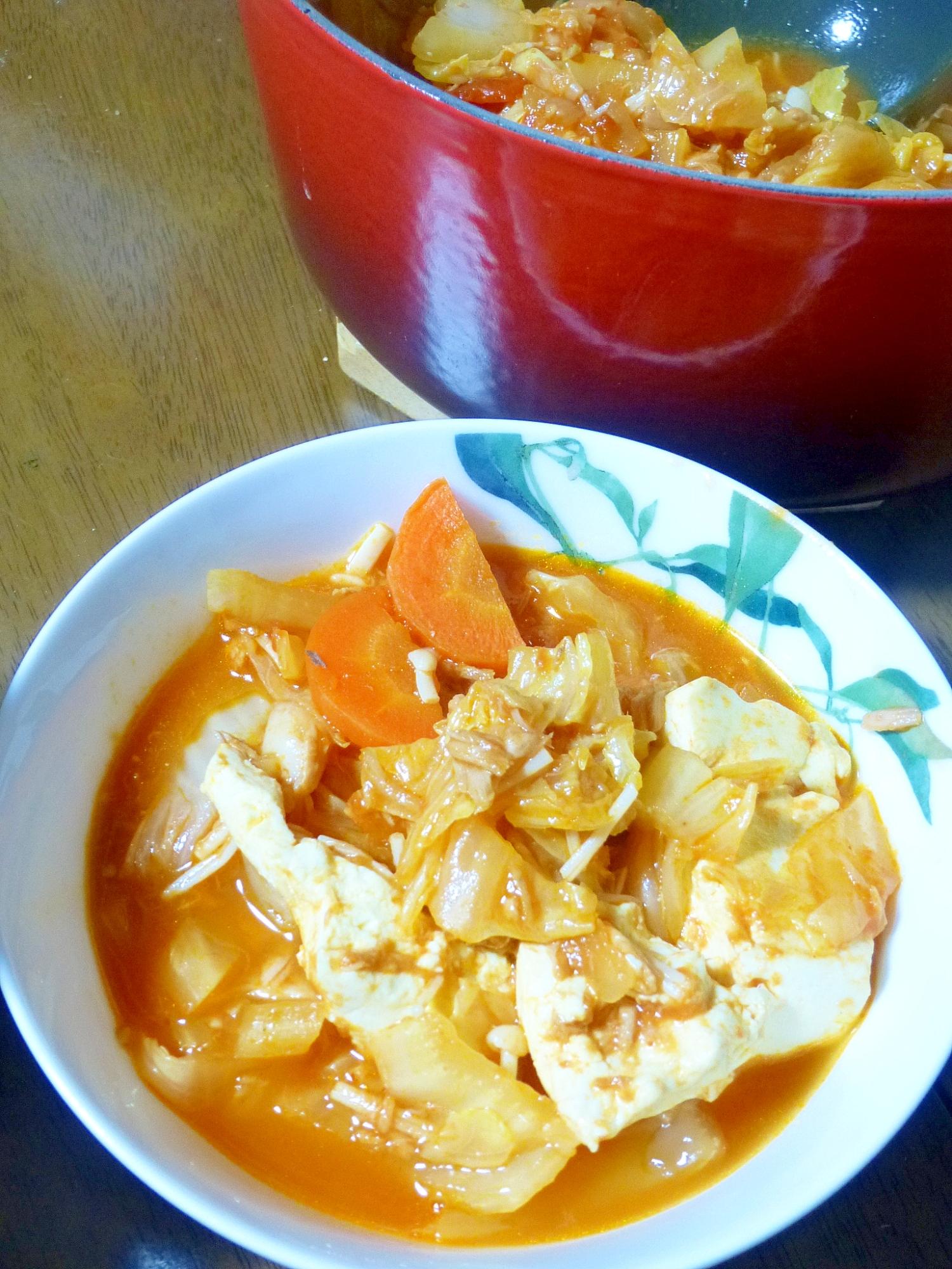 缶詰で簡単★ココナッツ風味のトマト鍋