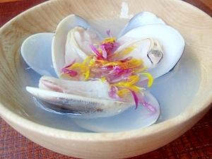 ハマグリと菊花の潮汁