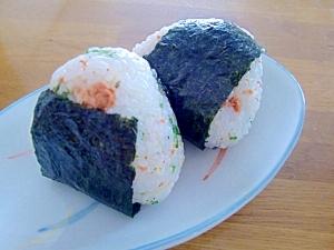 お弁当に♪簡単☆鮭フレークと大葉おにぎり