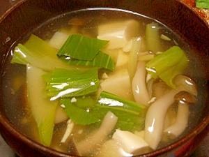チンゲンサイとキノコの中華スープ