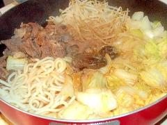 北海道の郷土料理ジンギスカンを鍋に!