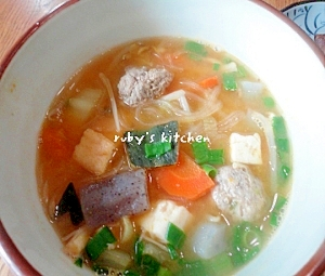イワシのつみれ汁残りアレンジ◎キムチ春雨スープ