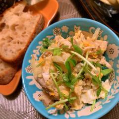 鶏ささみと蓮根と蕎麦の実の和風ポテトサラダ