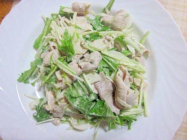 水菜と豚冷しゃぶ胡麻ドレッシングサラダ