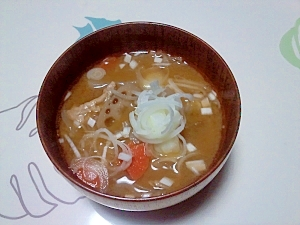 根菜とん汁++