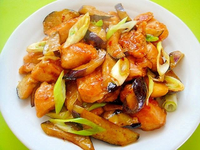 鶏むね肉と茄子の中華炒め