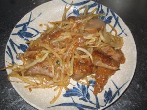 ニラがなくても美味☆豚レバーともやしの炒めもの