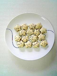 プチプチ香ばしい☆しっとり胡麻クッキー☆
