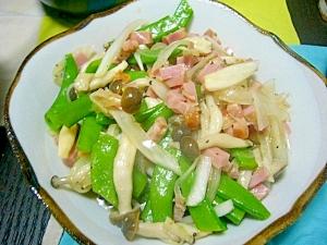 副菜に♪(/・ω・)/きぬさやとベーコンのサラダ