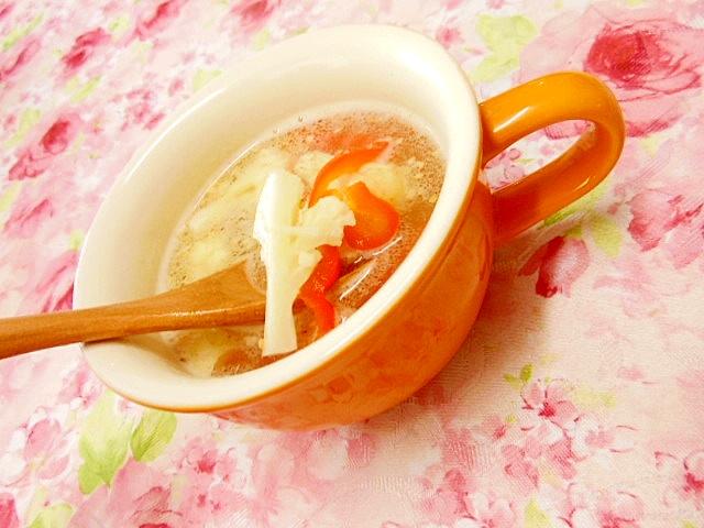 ウェイパーdeカリフラワーと赤ピーマンのスープ