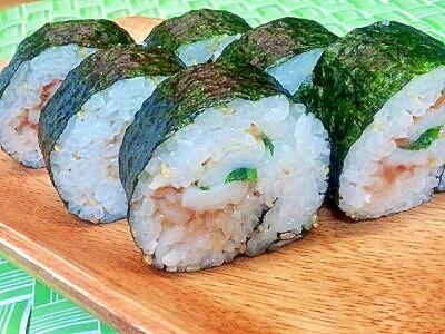 ねり梅&ちくわの巻き寿司