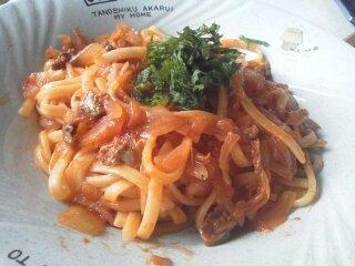 玉ねぎとイワシオイル漬けのトマトパスタ