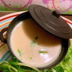 花椒馨るセロリとキャベツ芯の豆乳スープ