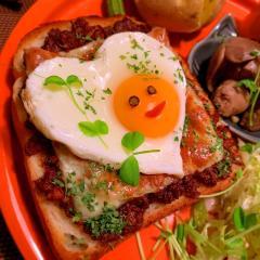 愛知グルメ*肉味噌×チーズトースト