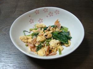 小松菜と卵で簡単炒め物♪