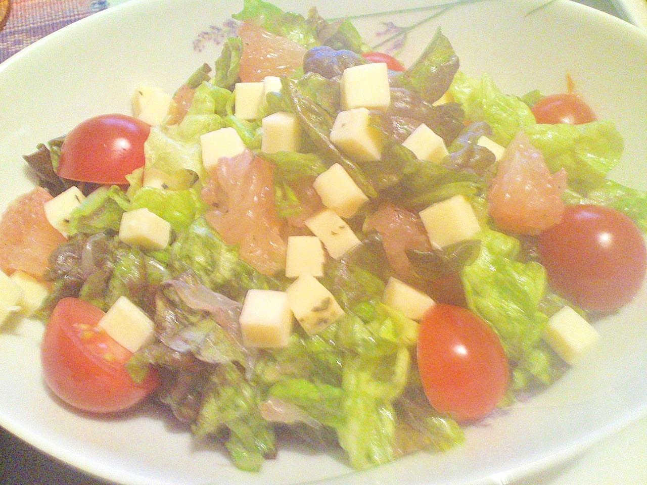 おもてなしにも★グレープフルーツが光る簡単サラダ