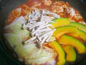 鶏団子のトマト鍋♪