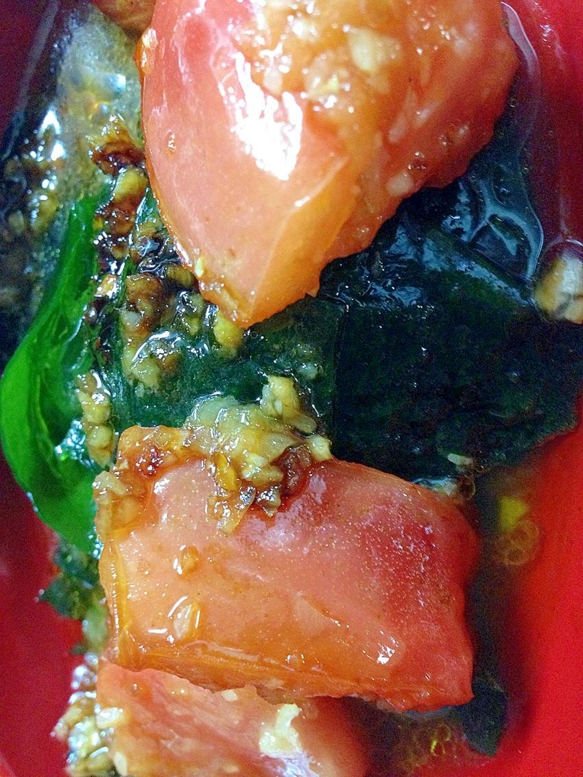 焼きトマトと海藻のサラダ