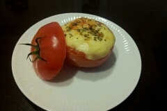 簡単でかわいい☆トマトカップグラタン