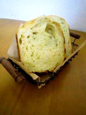 ホームベーカリーで青梗菜入り食パン