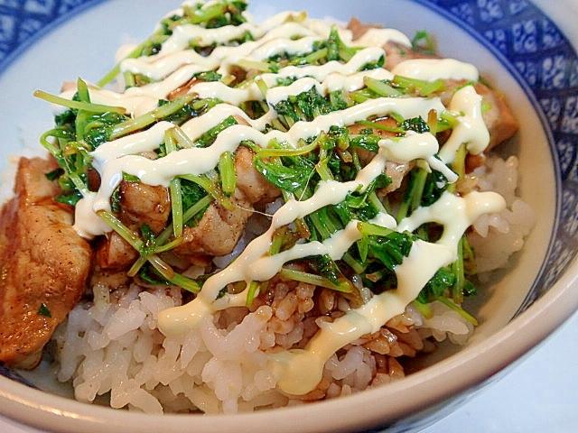 豚肉と豆苗のソースマヨ丼♪