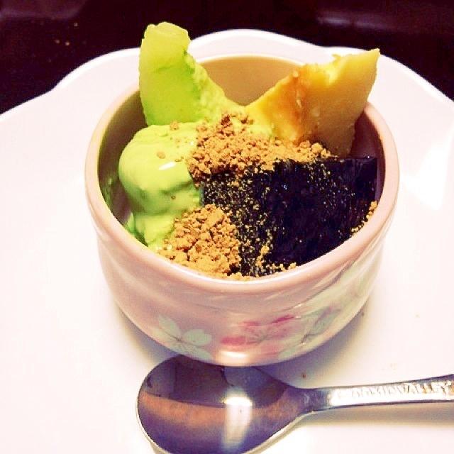 抹茶アイス&黒わらび餅パフェ