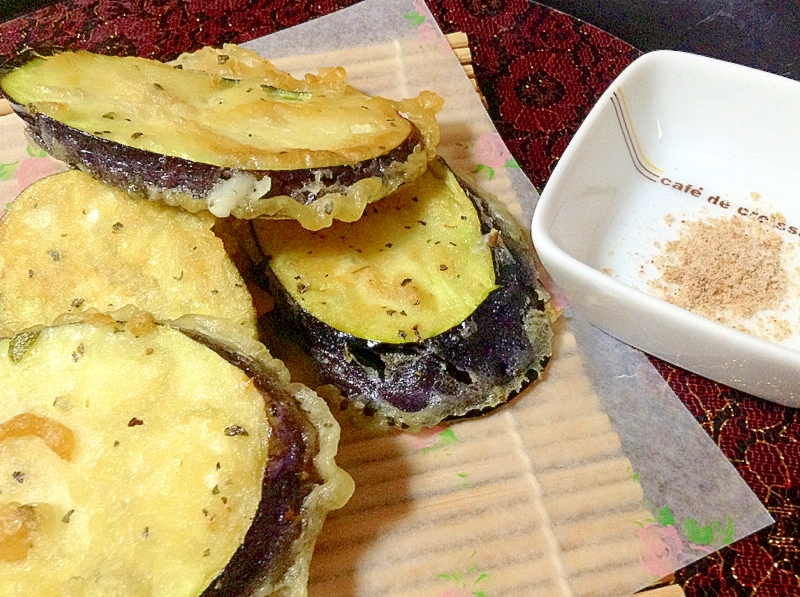 バジル風味茄子の天ぷら*トマト塩添え