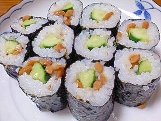 納豆ときゅうりの細巻き