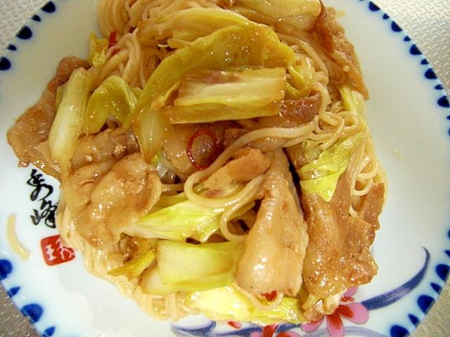 豚肉とキャベツの焼き素麺