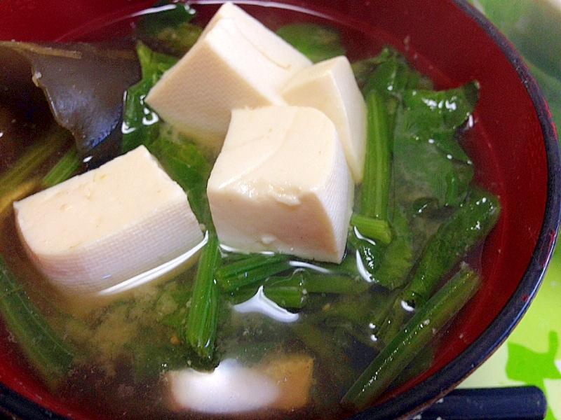 ゴロゴロ豆腐とシャッキリほうれん草のみそ汁