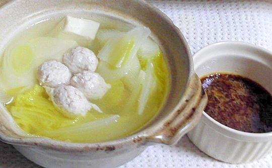 玉ねぎのすりおろしダレで食べる鶏ひき肉鍋