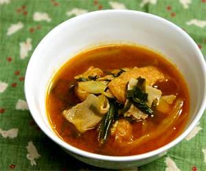 コチジャンが効いたニラとキャベツの赤から風スープ