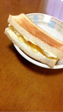 マーマレードとクリームチーズのホットサンド