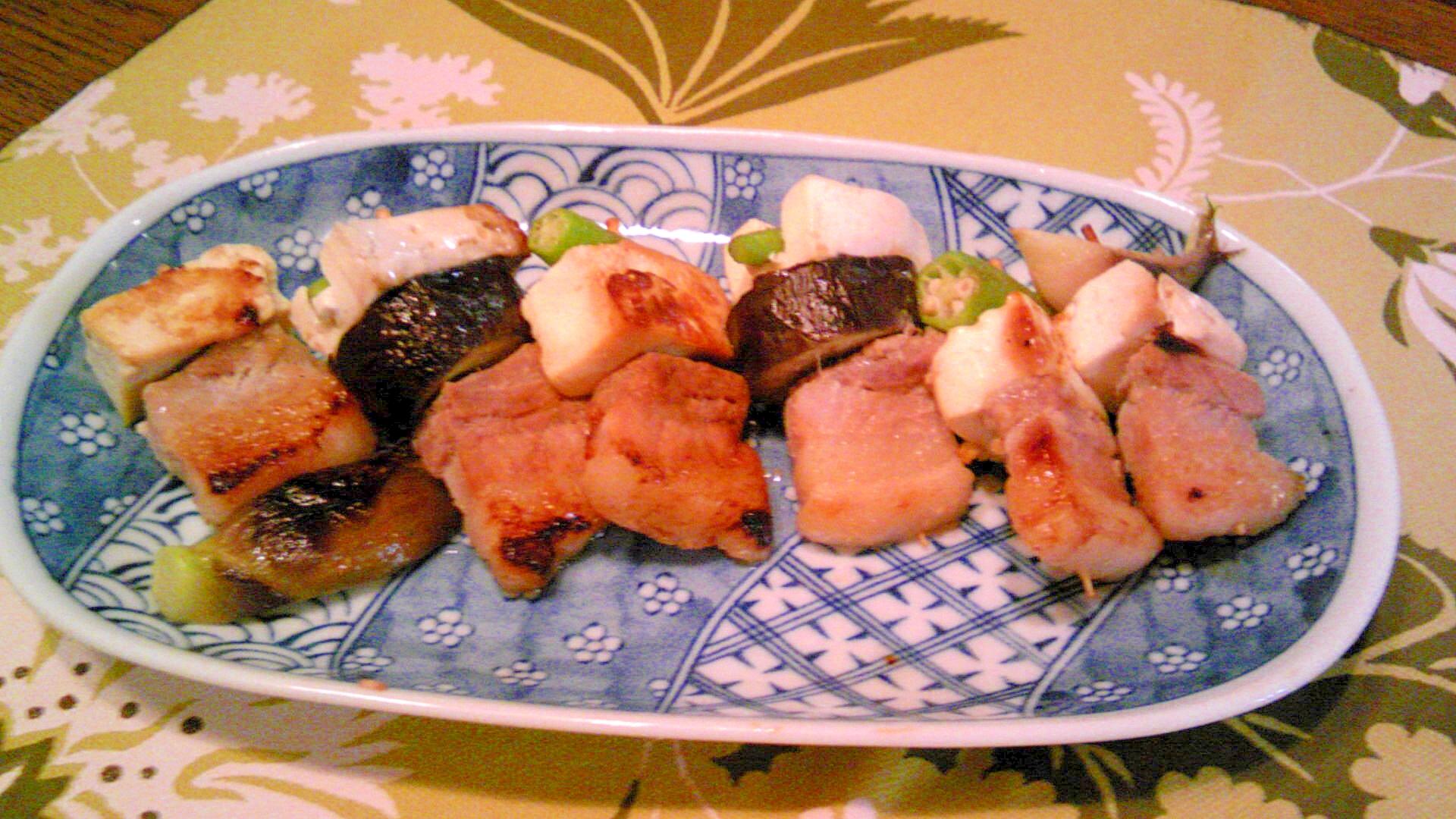 豆腐・豚バラ・オクラ/茗荷の串焼き