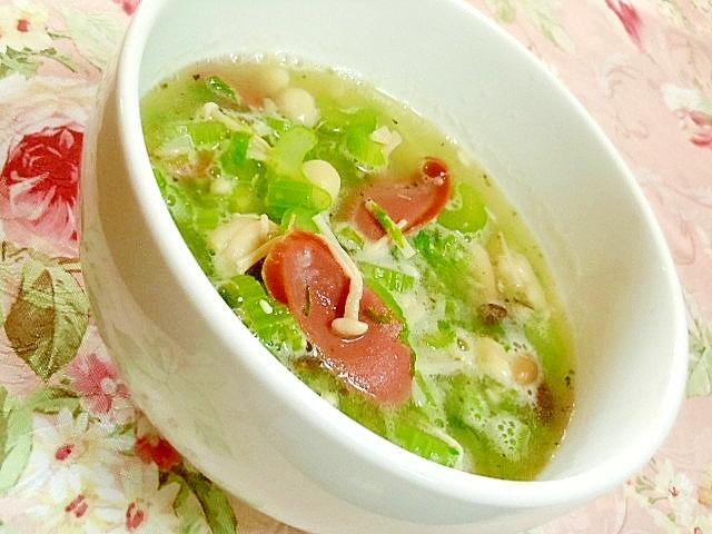 デトックスセロリ&ウィンナーの塩にんにくスープ