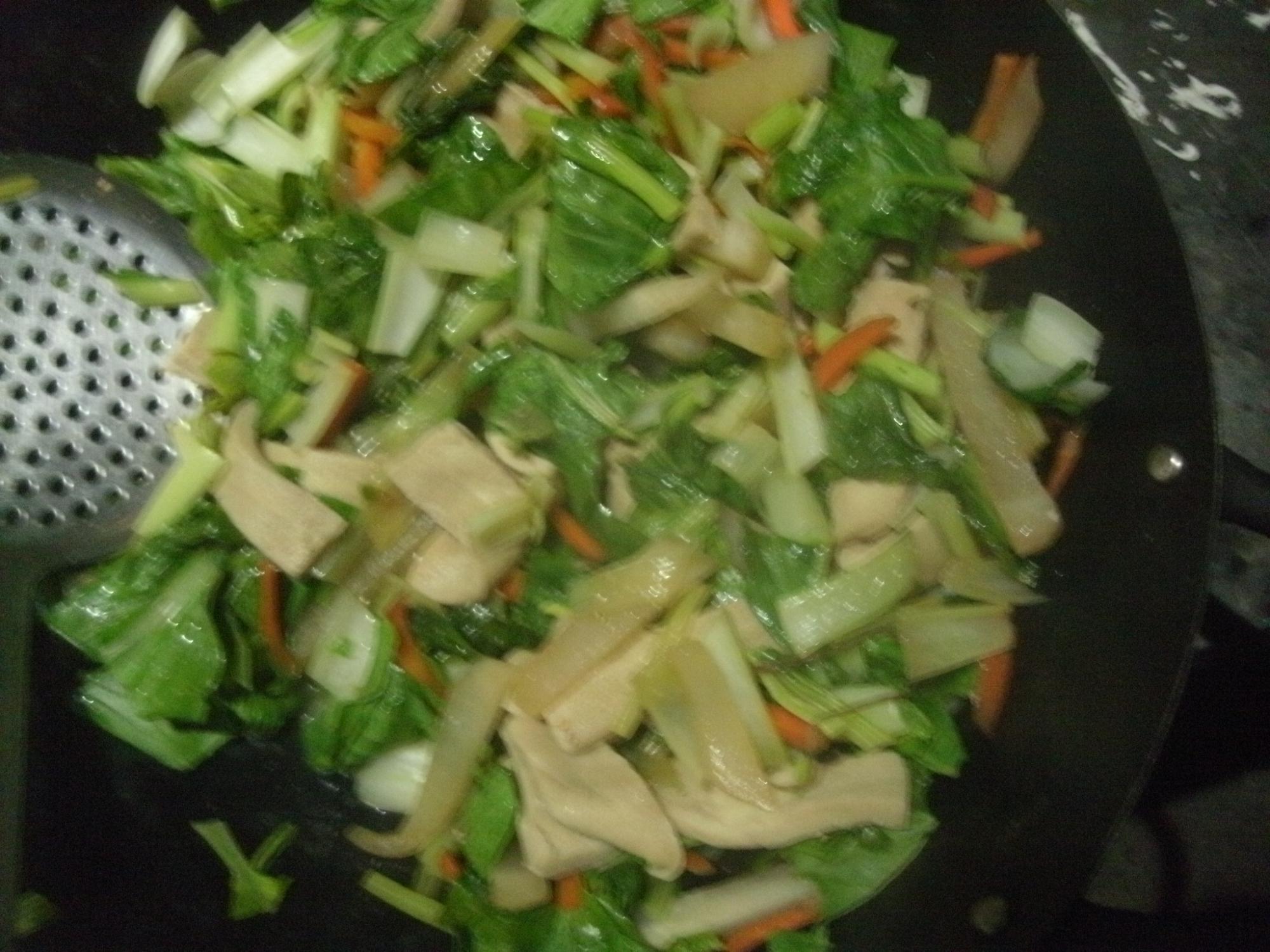 白菜と高野豆腐のソース炒め