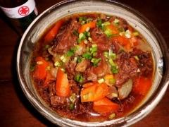 風味豊かなゴマ油がポイント☆牛すじと野菜の柔らか煮