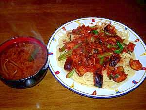 茄子とほうれん草のイタリアントマトスパ