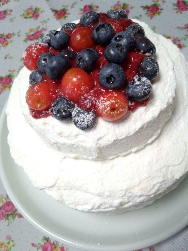 ウエディングケーキみたいな私の誕生日のケーキ