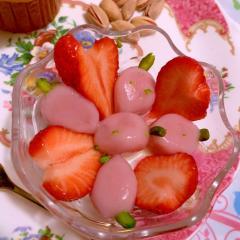 あま~く馨る練乳いちご白玉
