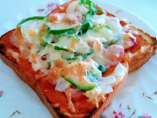 朝からガッツリ☆美味しいピザトースト