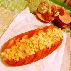 たっぷり卵サラダのきなこバターパン