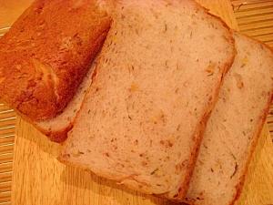ホームベーカリーでローズマリーとくるみの食パン★